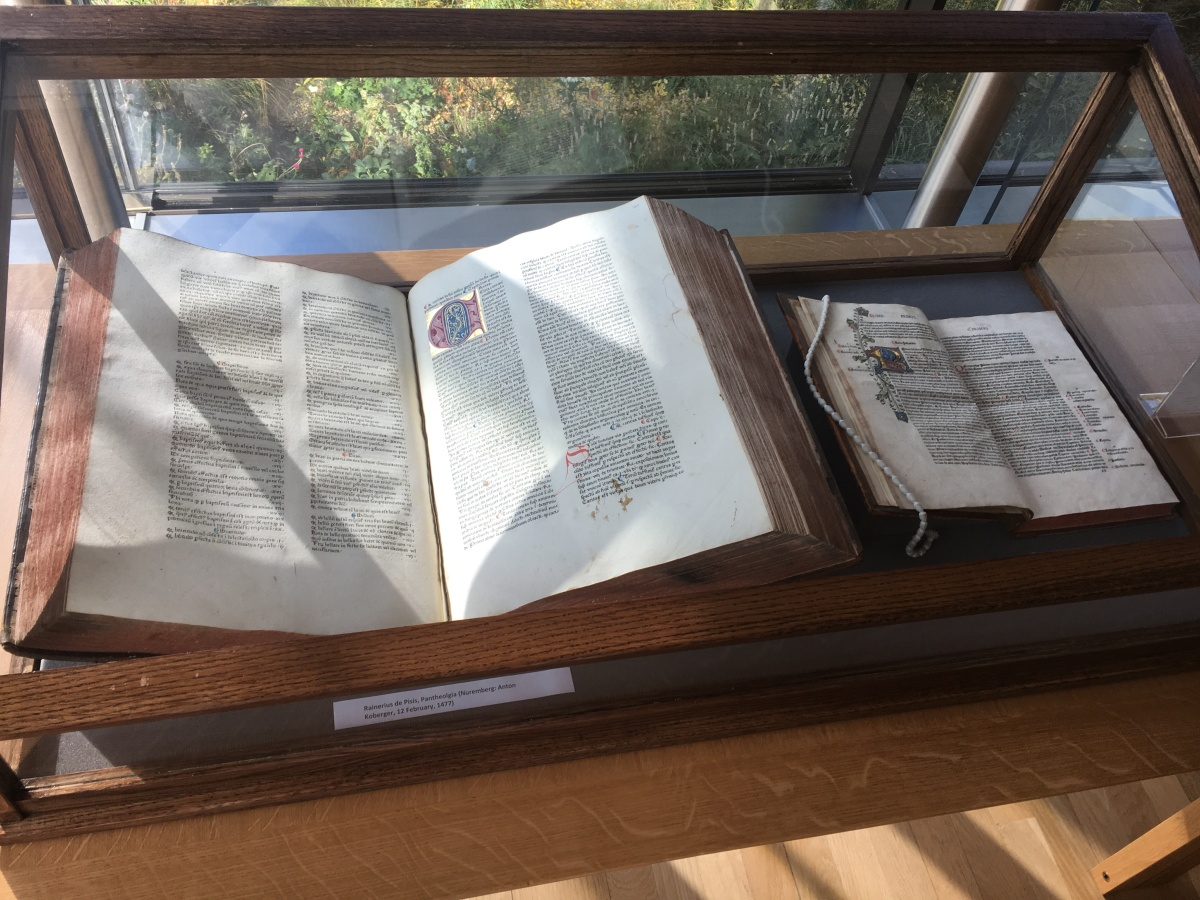 Initial impressions: a trail of 15th century books in Oxford College libraries
